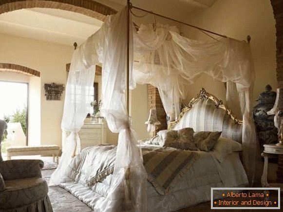 35 splendide camere da letto a baldacchino sopra il letto