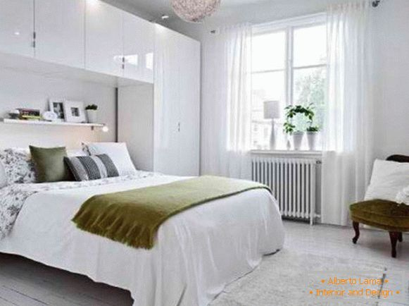 interno camera da letto in stile scandinavo