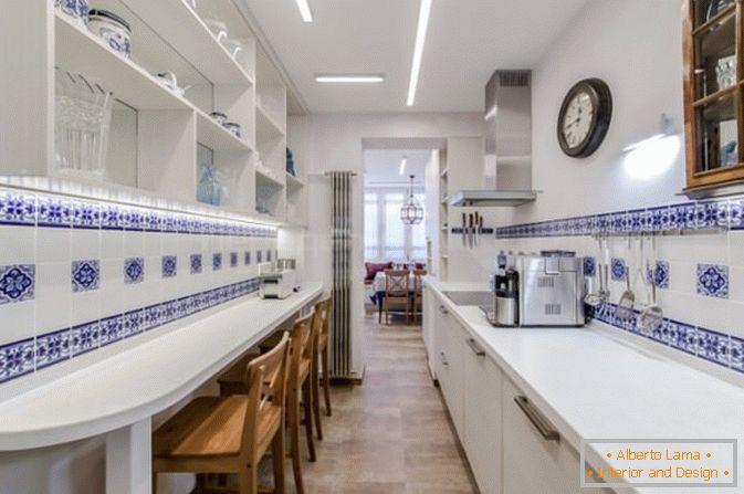 Illuminazione Cucina Lunga E Stretta : Come aggiungere una loggia a una cucina stretta e lunga