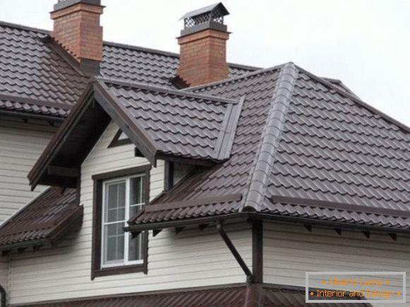 Piastrella sullo sfondo di ardesia tetto protezione da pioggia e