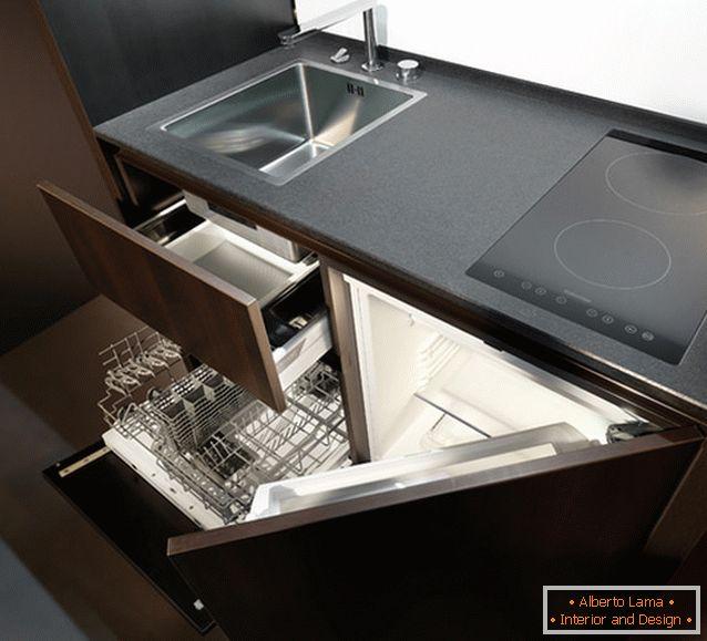 Una cucina camuffata per piccoli appartamenti: lo sviluppo